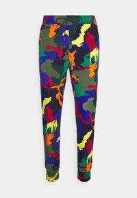 Polo Ralph Lauren - POLO PONY CAMO DOUBLE-KNIT JOGGER PANT - Tracksuit bottoms - multicoloured - 0