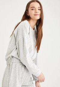 DeFacto - Sweatshirt - grey - 4