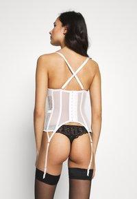 Ann Summers - FIERCELY SEXY BASQUE - Korzet - white/nude - 4