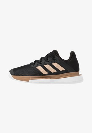 SOLEMATCH BOUNCE - Multicourt tennis shoes - core black/copper metallic/footwear white