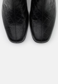 Vagabond - STINA - Kotníkové boty - black - 5