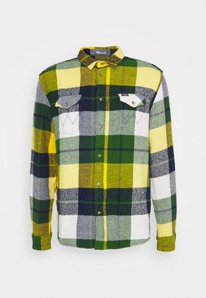 FLAP - Shirt - artichoke green