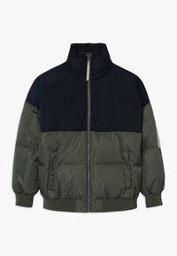 Unauthorized - CHAD JACKET - Down jacket - beetle - 0