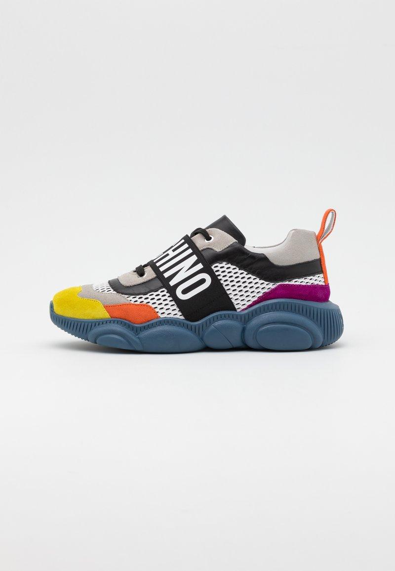 MOSCHINO - Baskets basses - multicolor
