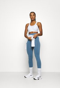 Shock Absorber - ACTIVE D + CLASSIC BRA - High support sports bra - white - 1