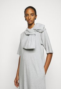 MM6 Maison Margiela - Vestido ligero - grey - 3