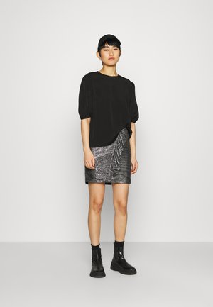ARAM BLOUSE - Basic T-shirt - black