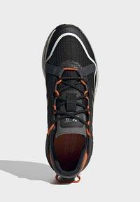 adidas Originals - ZX 2K BOOST PURE - Zapatillas - core black grey six orange - 3