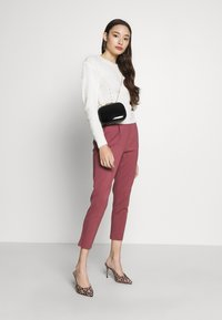 ONLY Petite - ONLPOPTRASH EASY COLOUR PANT - Pantalon classique - dark red - 1