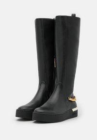 Liu Jo Jeans - SILVIA  - Platform boots - black - 2