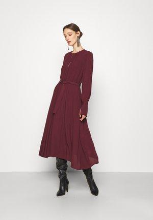 ABITO - Day dress - lava red