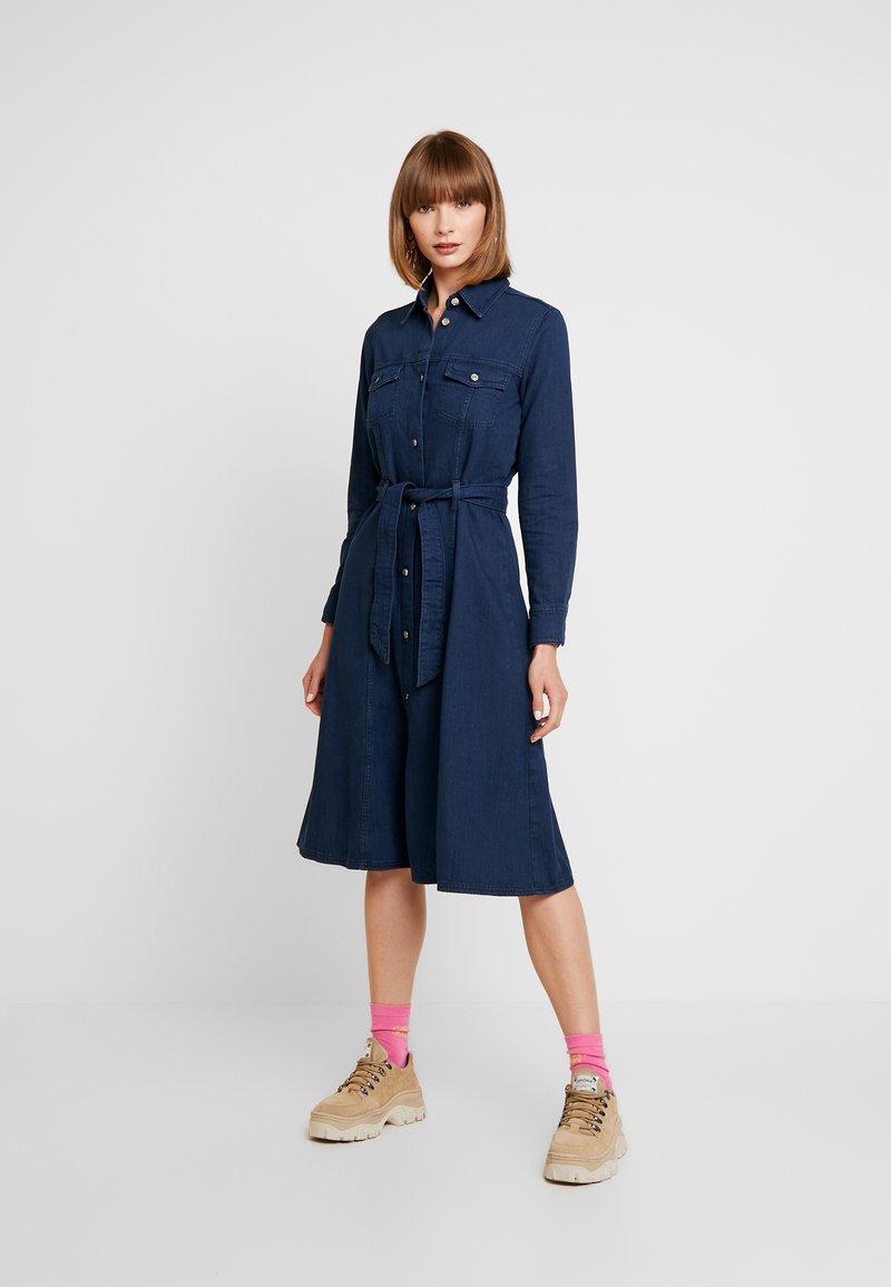 Monki - WAY DRESS - Jeanskjole / cowboykjoler - dark blue