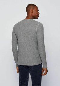 BOSS - TEMPFLASH - T-shirt à manches longues - light grey - 3
