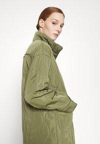 YAS - YASWENNA QUILTED  - Short coat - khaki - 3