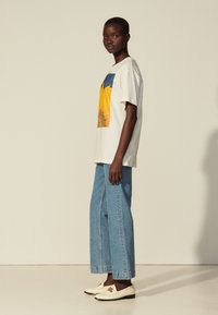 sandro - Print T-shirt - blanc - 1