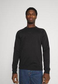 Pier One - 3 PACK - Sweatshirt - bordeaux/black/grey - 5