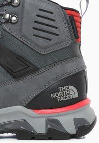 The North Face - M CRESTVALE FUTURELIGHT - Hiking shoes - zinc grey/tnf black - 5