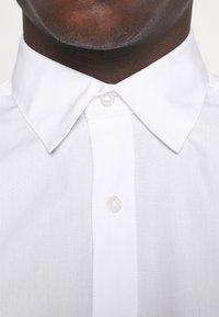 Jack & Jones - JJJOE 2 PACK - Camicia - white - 3