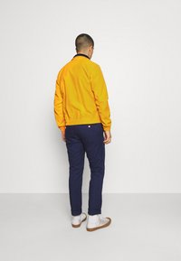 Tommy Jeans - ESSENTIAL CASUAL  - Tunn jacka - orange - 2