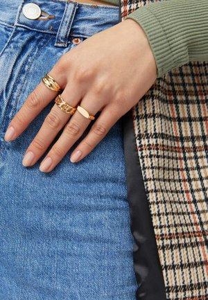 Prsten - gold