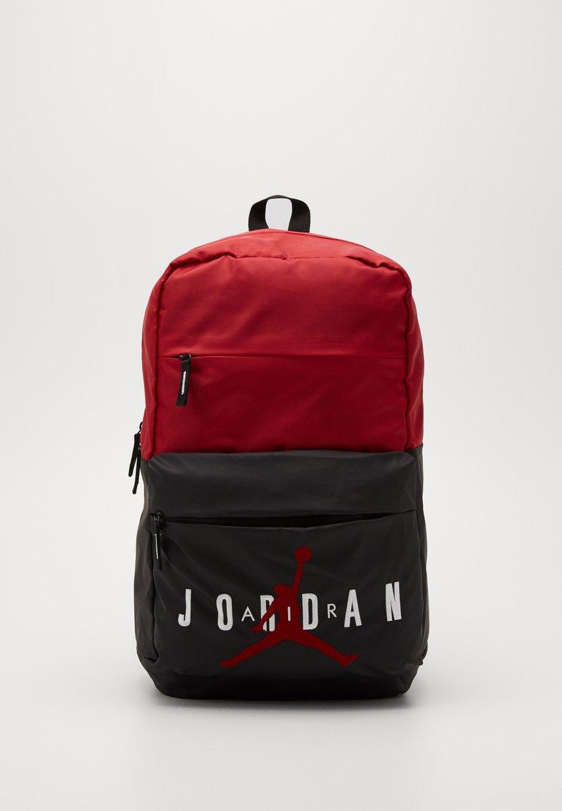 Jordan - PIVOT PACK - Batoh - black/gym red