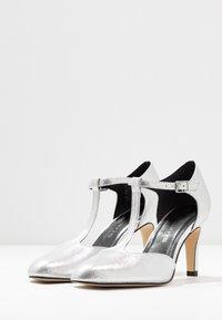 Tamaris - Classic heels - silver - 4