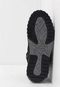 Diesel - S-RUA MID SP - Sneakers high - black - 4