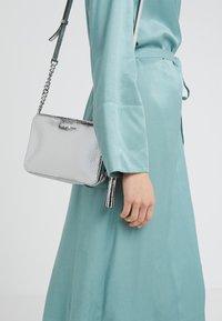MICHAEL Michael Kors - CROSSBODIES CAMERA BAG - Across body bag - silver - 1