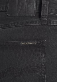 Nudie Jeans - JOSH - Denim shorts - black water - 4