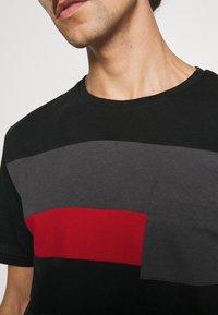 Pier One - Basic T-shirt - black - 4