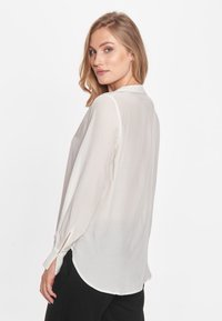 CADDIS FLY - ADMIRABLE - Blouse - off white - 1