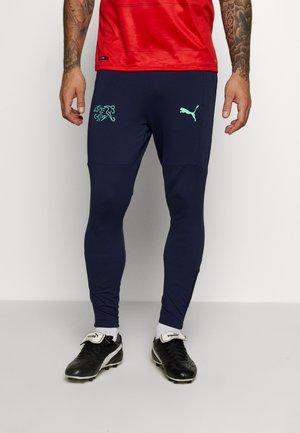 SCHWEIZ SFV TRAINING PANTS ZIP POCKETS ZIP LEGS - Spodnie treningowe - peacoat/green glimmer