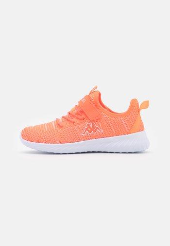 CAPILOT UNISEX - Sports shoes - coral/white