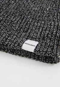 Jack & Jones - JACTWISTED SHORT BEANIE - Muts - black/grey melange - 5
