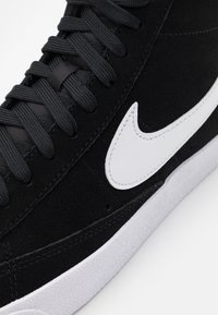 Nike Sportswear - BLAZER MID '77 UNISEX - Sneaker high - black/white/total orange - 5