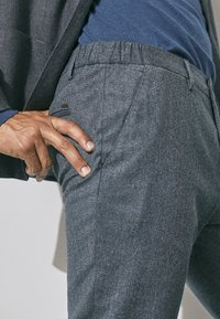 Massimo Dutti - SLIM-FIT - Trousers - grey - 3