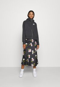 Nike Sportswear - Sudadera con cremallera - black/white - 1