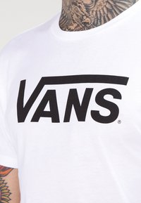 Vans - T-shirt con stampa - white/black - 3
