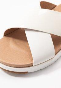UGG - KARI - Slip-ins - white - 2