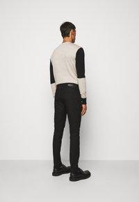 Neil Barrett - SUPER REGULAR RISE  - Jeans Skinny - black - 2
