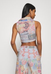 Jaded London - HALTER TOP WITH POPPER FASTENING PATCHWORK PRINT - Topper - multi - 2