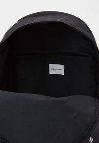 Calvin Klein Jeans - CAMPUS - Rucksack - black - 2