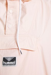 Hummel Hive - CALISTA OVERSIZED ANORAK - Windbreaker - cloud pink - 5
