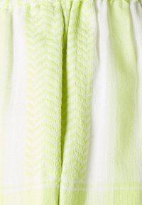 CECILIE copenhagen - Shortsit - avocado green - 2