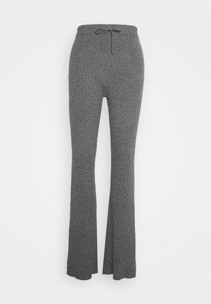 TROUSERS - Pantalon classique - grey
