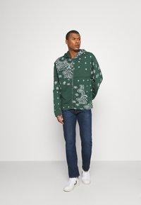 Jaded London - CUT AND SEW BANDANA HOODIE - Zip-up sweatshirt - green - 1