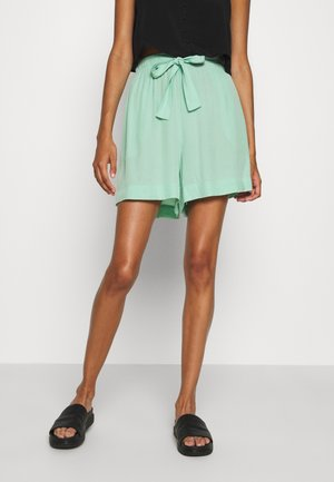 HAZEL - Shorts - green