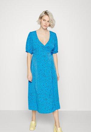 WRAP AROUND DRESSES WITH TIE DETAIL - Vardagsklänning - blue