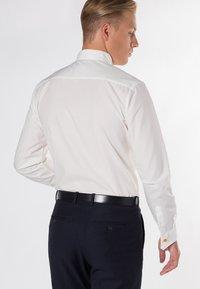 Eterna - SLIM FIT  - Shirt - beige - 1