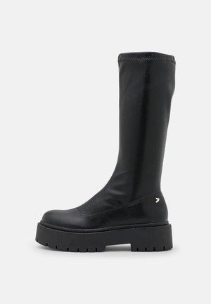 ALBIG - Plateaustøvler - black